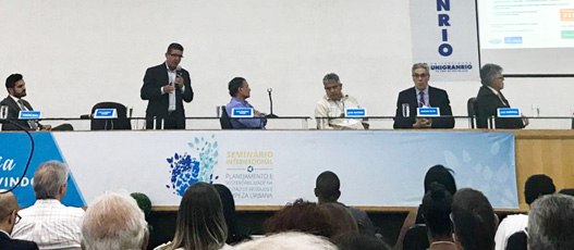 Em seminário internacional, Paulo Mangueira mostra caminhos e aponta desafios da Comlurb