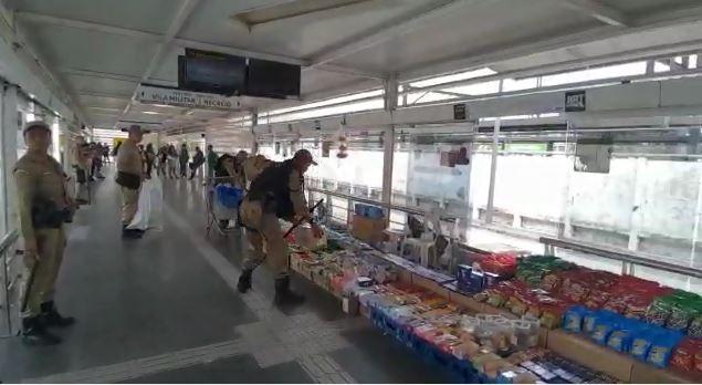 Guarda Municipal realiza ação de combate à desordem na Estação BRT Magalhães Bastos