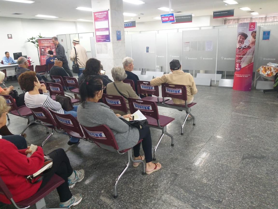 Procon Carioca multou 73 agências bancárias neste ano