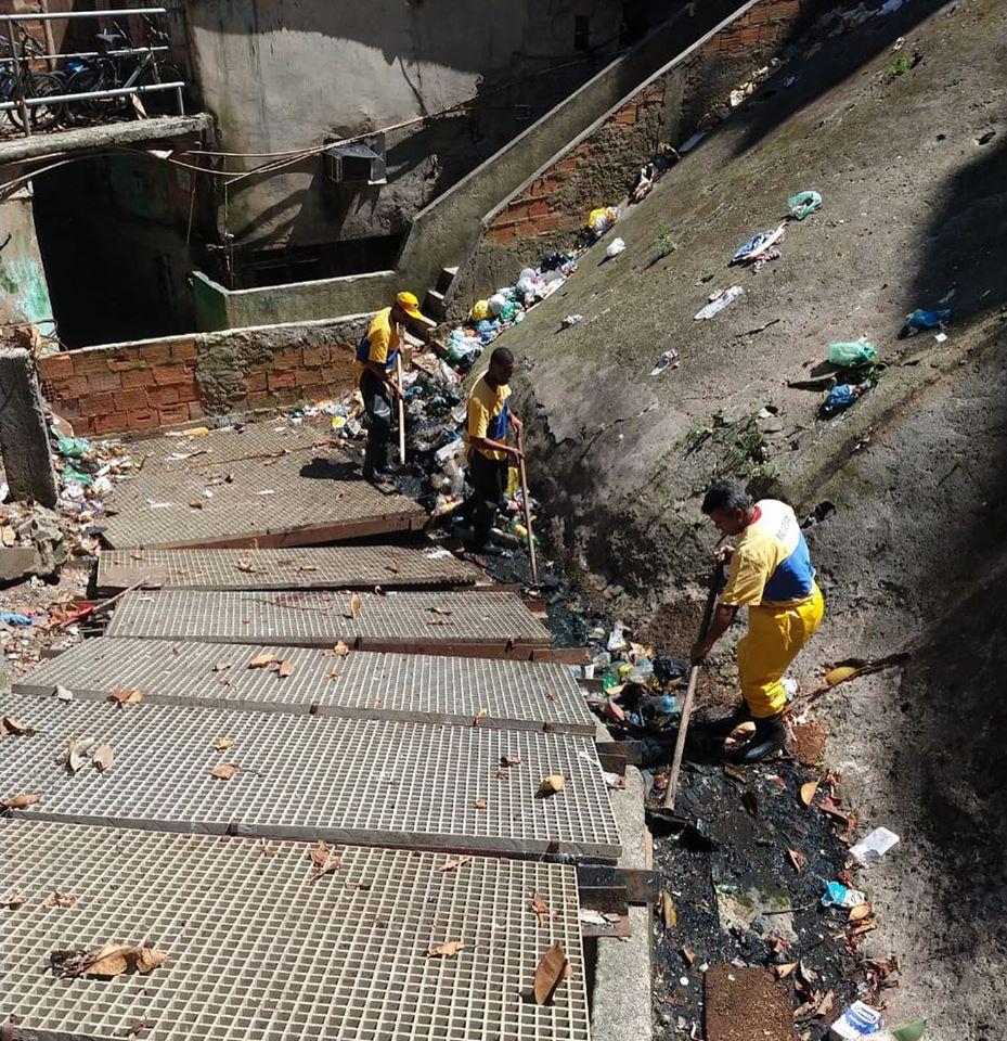 Canal da Rocinha tem serviço de limpeza permanente