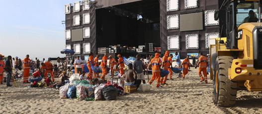 Comlurb recolhe 762 toneladas de resíduos no Réveillon 2020, sendo 351 apenas em Copacabana