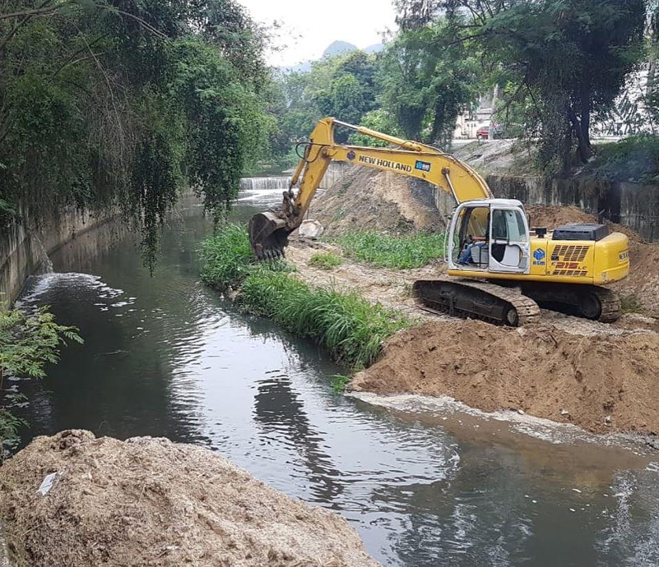 Canal do Anil recebe serviços de desassoreamento