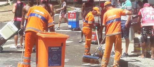 Comlurb coletou 21,4 toneladas de lixo nos blocos de rua do fim de semana