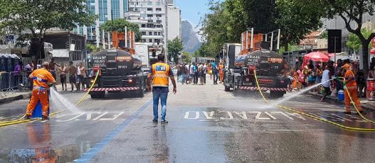 Comlurb remove 34,4 toneladas de resíduos em cerca de 90 blocos do fim de semana