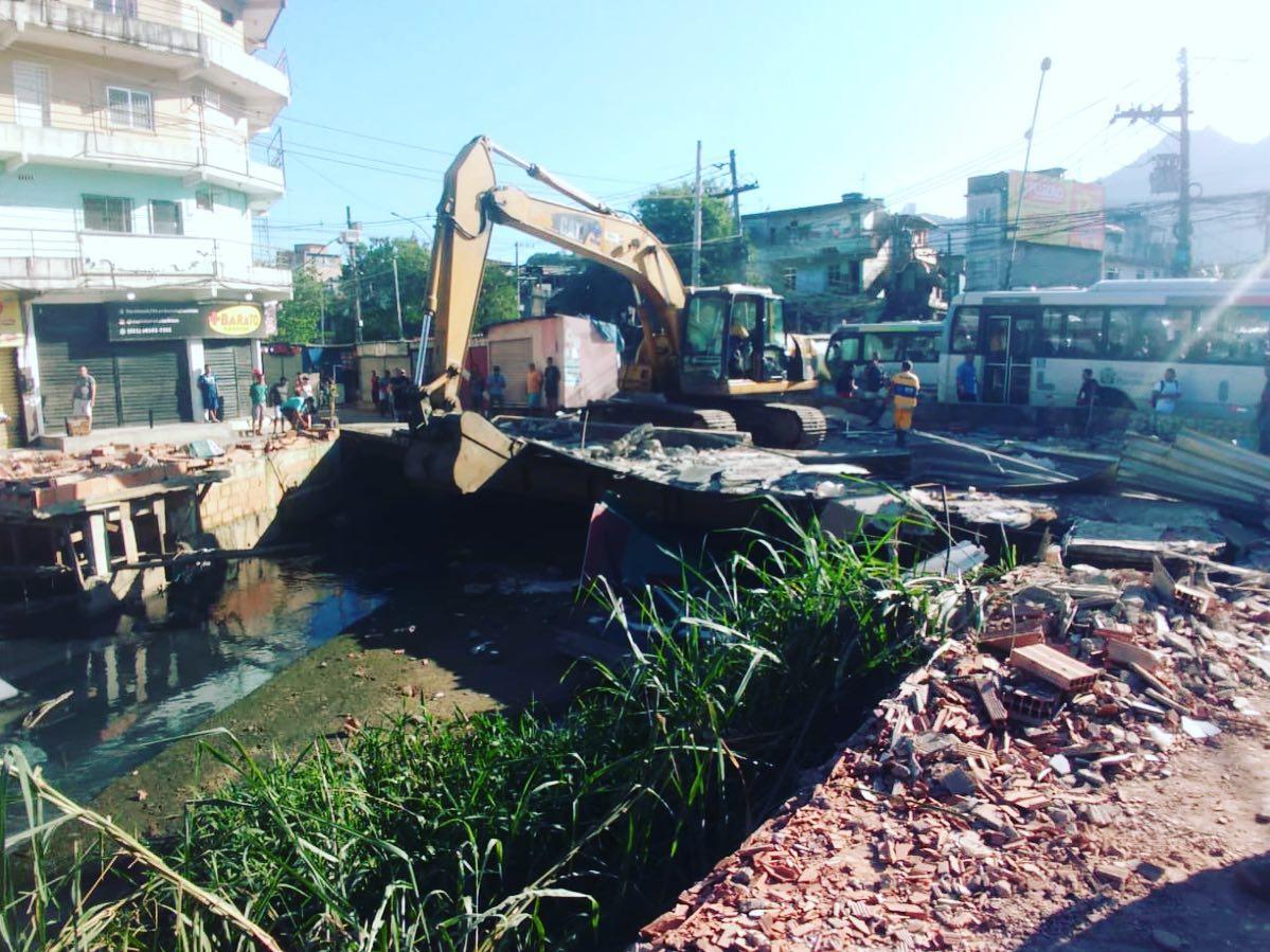 Rio-Águas inicia serviços de limpeza do canal em Rio das Pedras