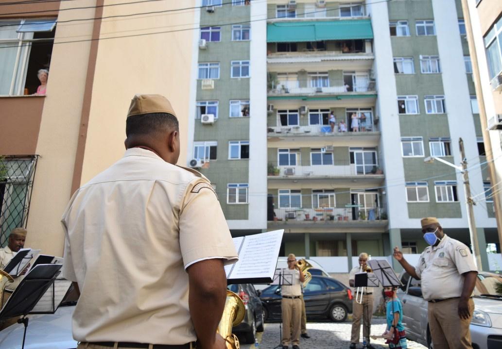 """Guarda Municipal retorna aos bairros de Pilares, Abolição e Taquara para levar o """"abraço musical"""""""