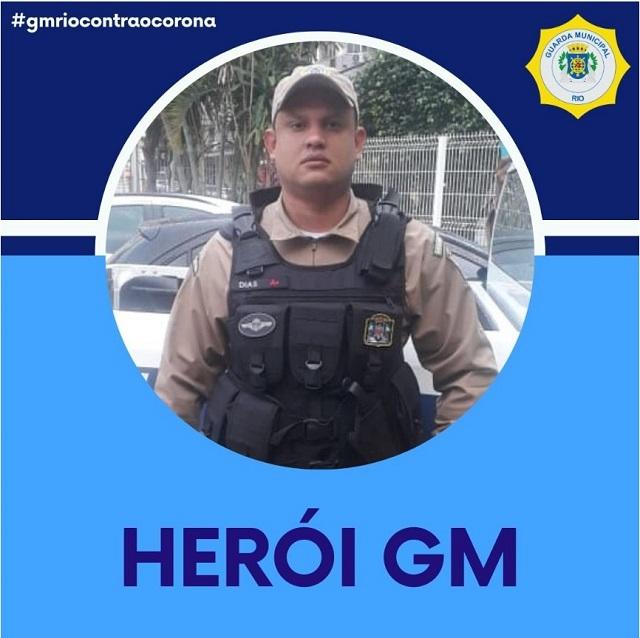 Herói GM Willian Dias fiscaliza aglomeração na cidade