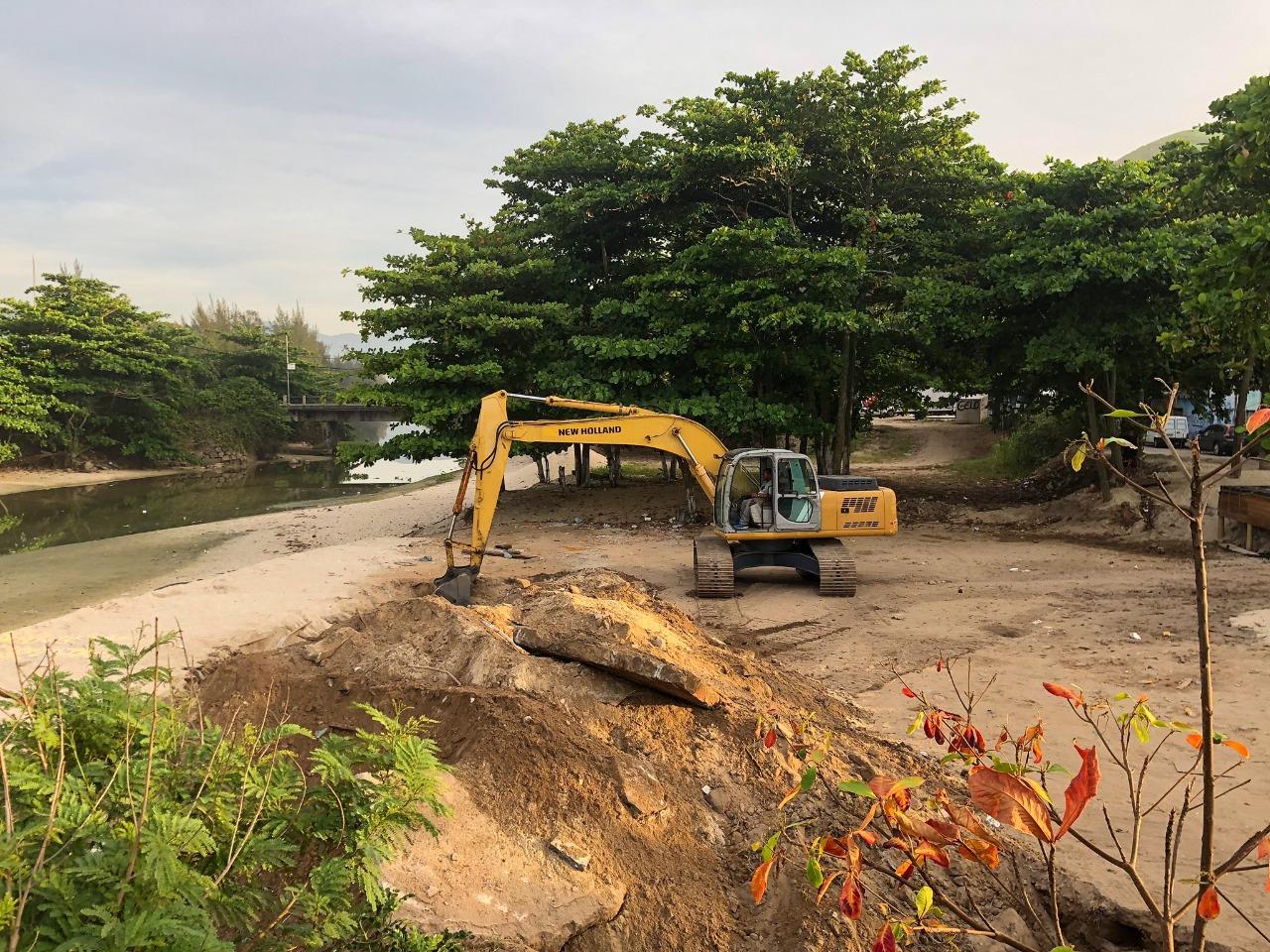 Operação de fiscalização fecha estacionamento irregular em área de proteção ambiental