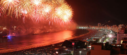 Réveillon de Copacabana celebra os Jogos Olímpicos e o centenário do samba