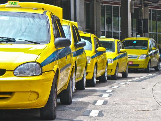 Prefeitura assina convênio com o RIOgaleão para reforçar operação no aeroporto