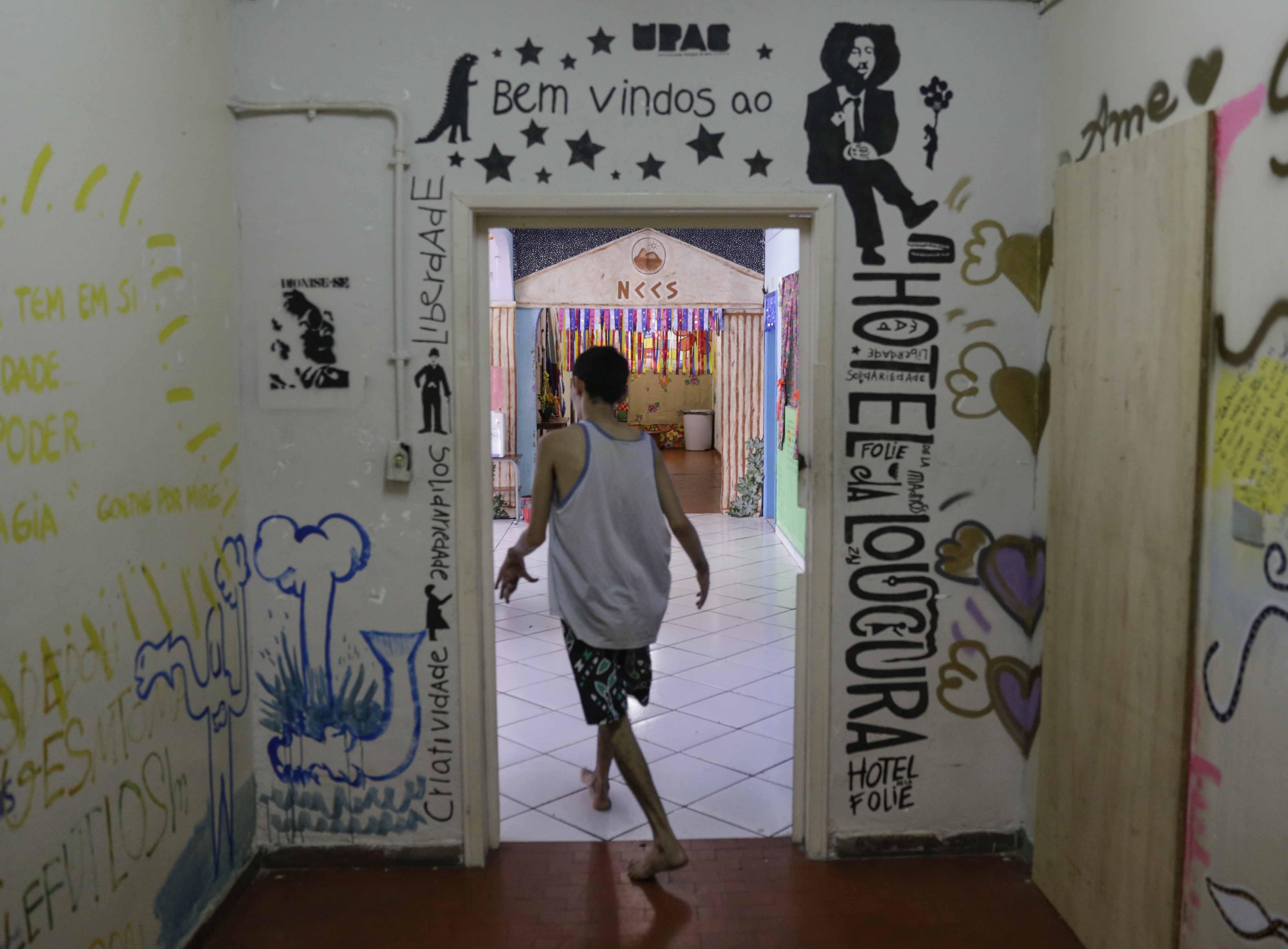 Arte e medicina transformam vidas no Hotel da Loucura