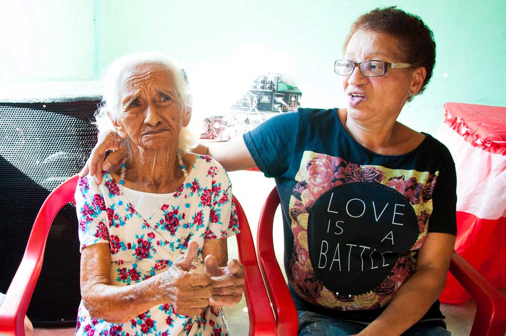 Programa social para idosos comemora os 101 anos de Vó Inês