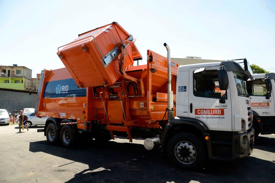 Prefeitura implanta novo sistema de coleta de lixo na Cidade de Deus