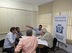 Prefeito leva a Prefeitura Itinerante a Jacarepaguá e ao Recreio dos Bandeirantes