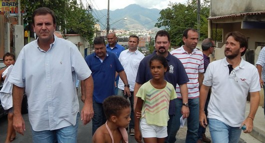 Prefeito inaugura obras na Curicica, Taquara, Pechincha e Tanque