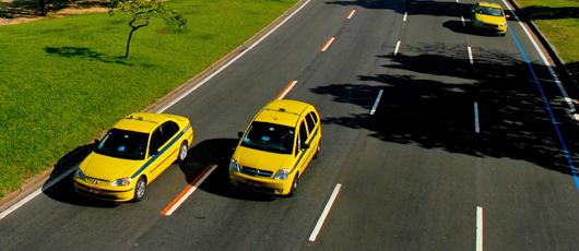 Empresas são homologadas para fornecer treinamento a taxistas