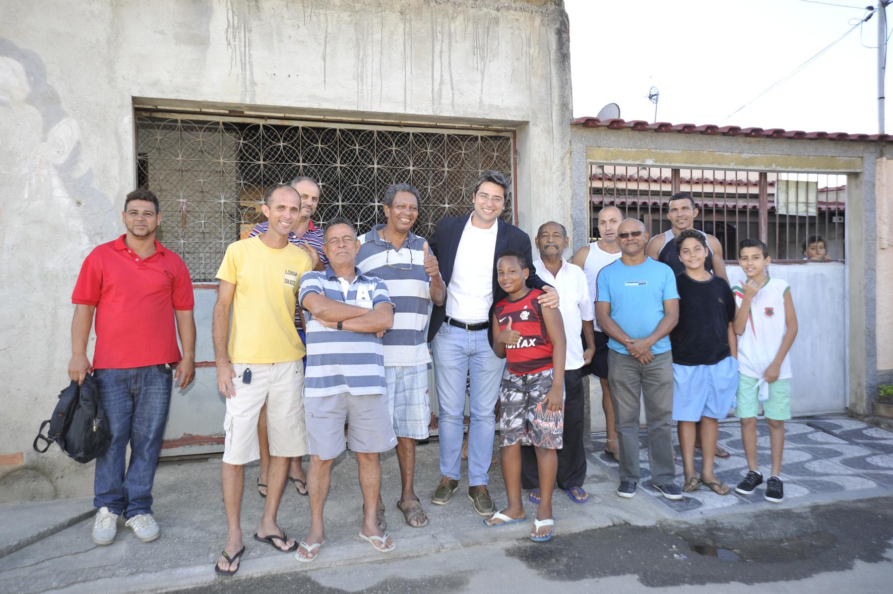 Secretário Municipal de Habitação visita loteamentos em Santíssimo