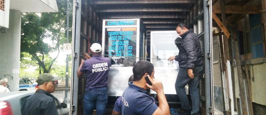 Ordem Pública estoura depósito clandestino de mercadorias de ambulantes na Lapa