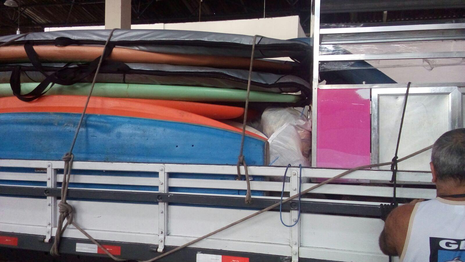 Guarda Municipal apreende equipamentos para atividades aquáticas deixados na Praia Vermelha