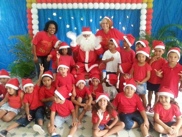 Papai Noel da GM-Rio realiza sonho de crianças em Preventório de Paquetá