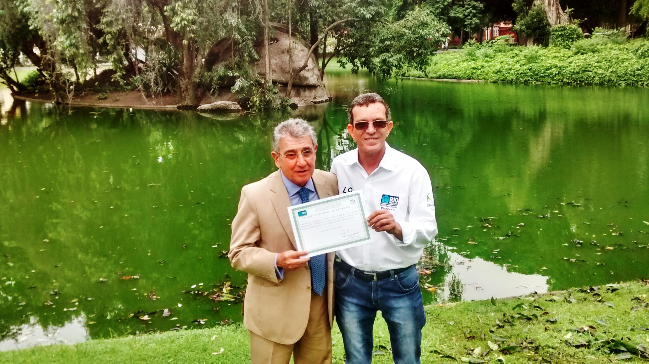 <strong>Presidente do TCM-RJ planta uma árvore no Campo de Santana</strong>