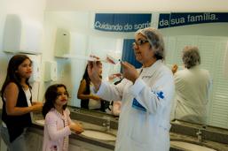 Vila Isabel oferece atividades de saúde bucal para as crianças