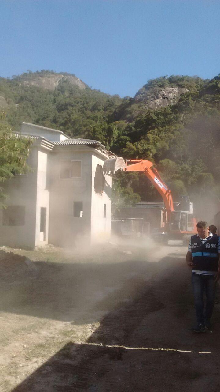 Patrulha Ambiental realiza operação para coibir ocupação irregular, na zona oeste