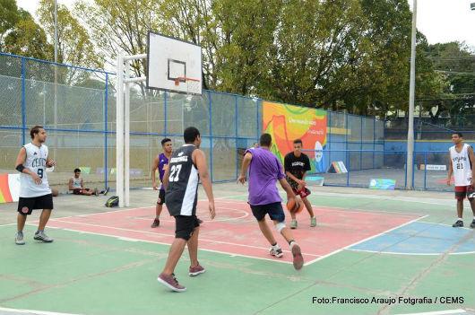 Circuitos Esportivos divertem crianças no Boulevard Miécimo da Silva