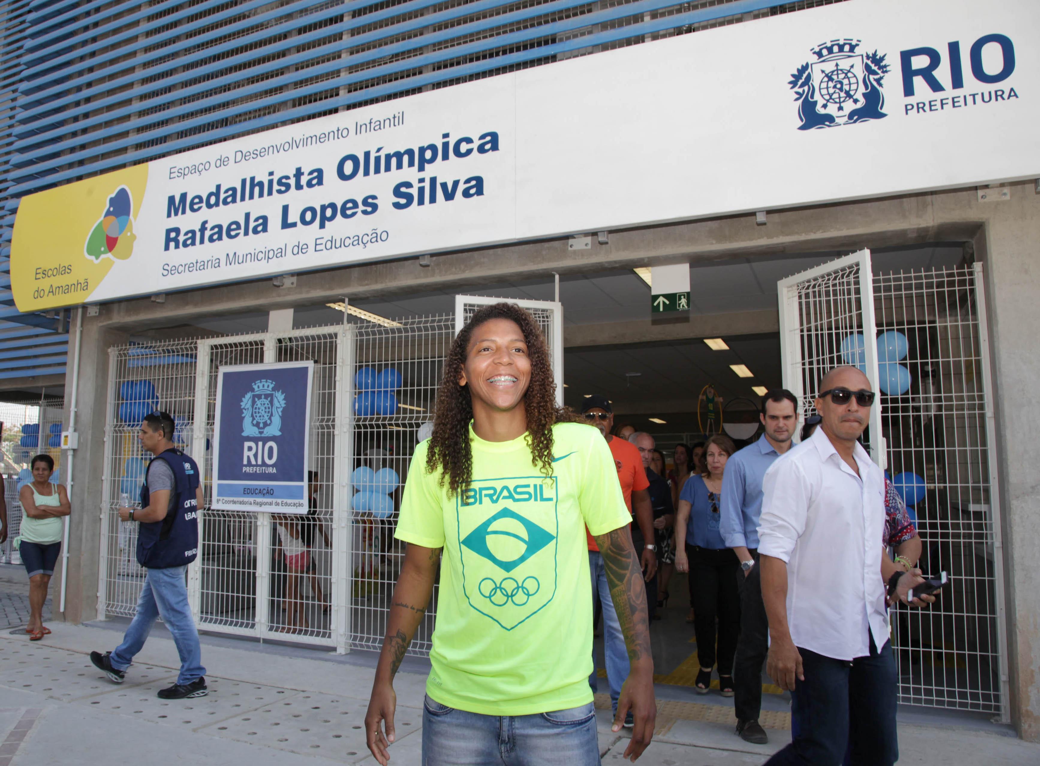 Escola em Magalhães Bastos recebe o nome da medalhista olímpica Rafaela Lopes Silva