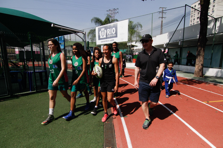Nova Zelândia doa mil ingressos dos jogos para alunos de Vila Olímpica