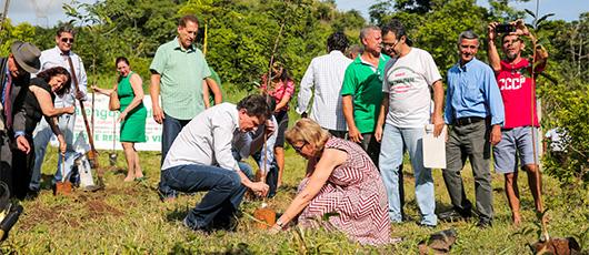 Prefeito participa de Mutirão de Reflorestamento em Bangu