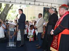 Imagem peregrina de São Sebastião visita sede da prefeitura