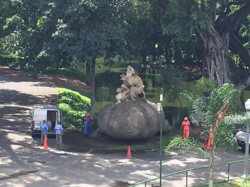 <Strong>Fundação Parques e Jardins e Comlurb restauram estátuas no Campo de Santana</Strong
