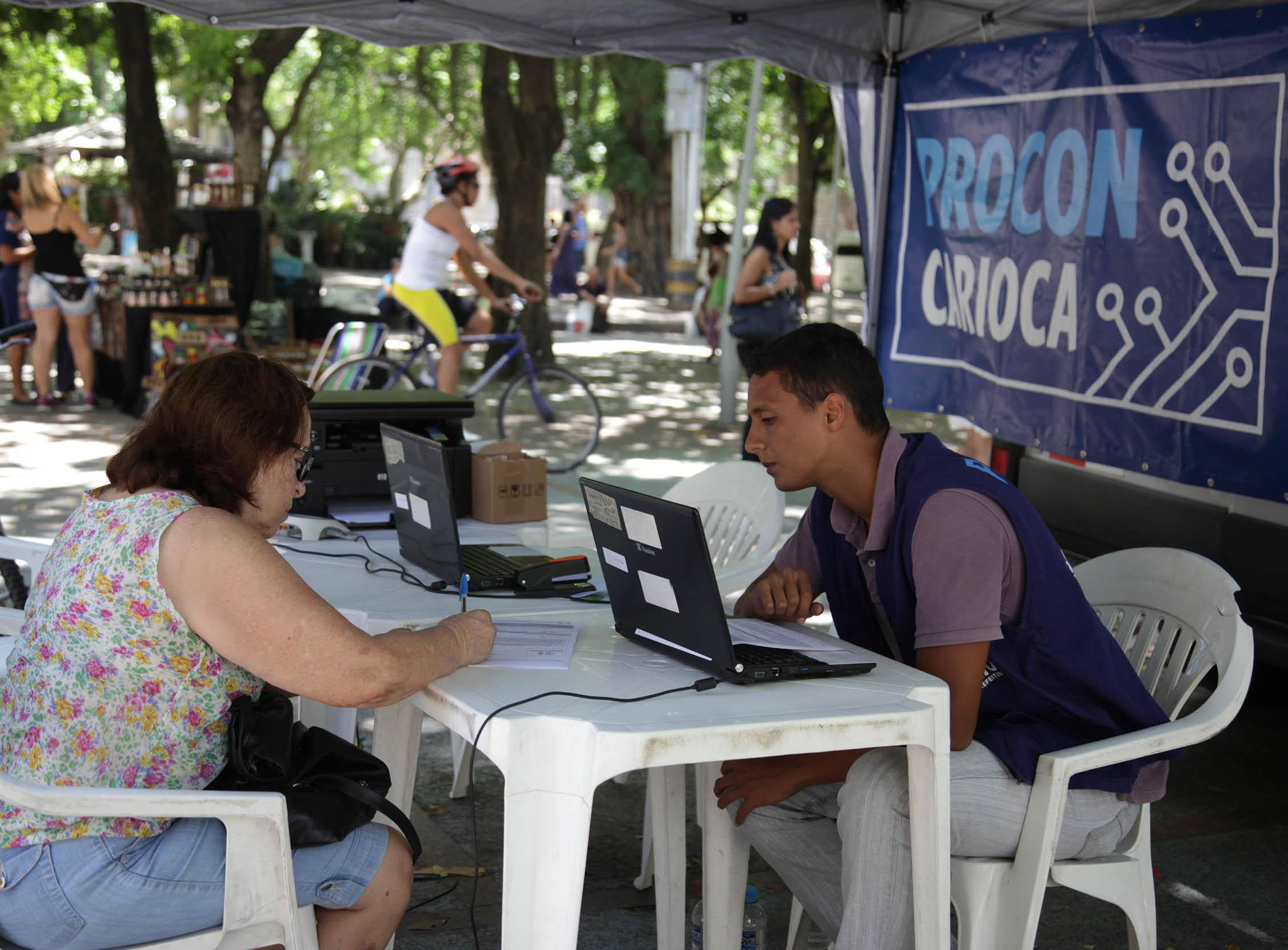 Procon Carioca nos Bairros atende esta semana no Largo do Machado e Vila Isabel