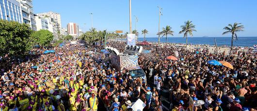 Prefeitura alerta foliões sobre os perigos da exposição ao sol durante o carnaval