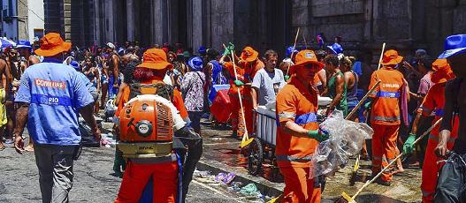 Comlurb atua em todos os blocos no último fim de semana antes do Carnaval