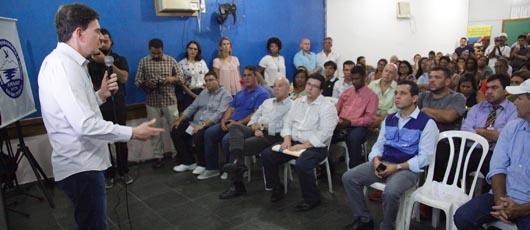Prefeito apresenta projeto de revitalização da comunidade de Rio das Pedras