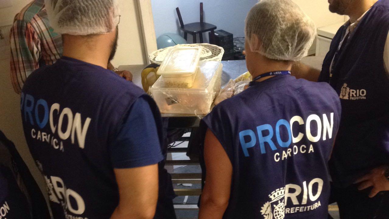 Procon Carioca fez quase 7 mil atendimentos e mais de 140 fiscalizações em 100 dias de governo