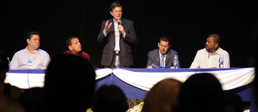 Prefeito anuncia licitação para intervenções na bacia da Pavuna