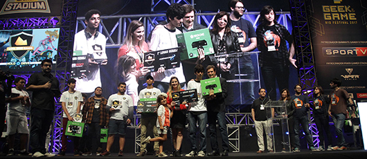 Prefeitura premia vencedores da Copa Nave Games