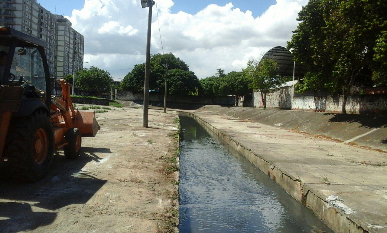 Rio-Águas conclui limpeza de rio em Campinho