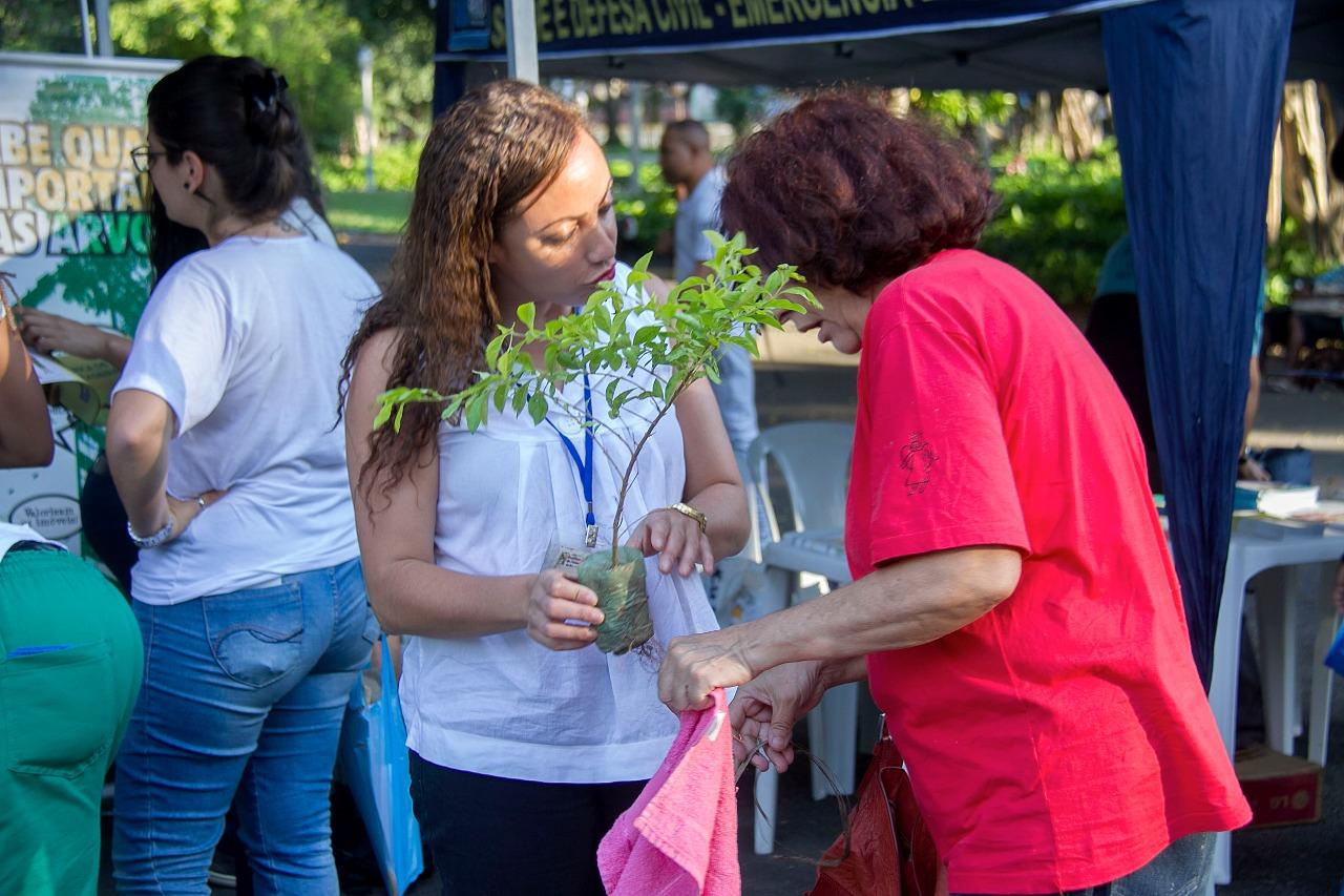 Homenagem ao Dia das Mães no Campo de Santana celebra a união entre FPJ e a comunidade carioca.