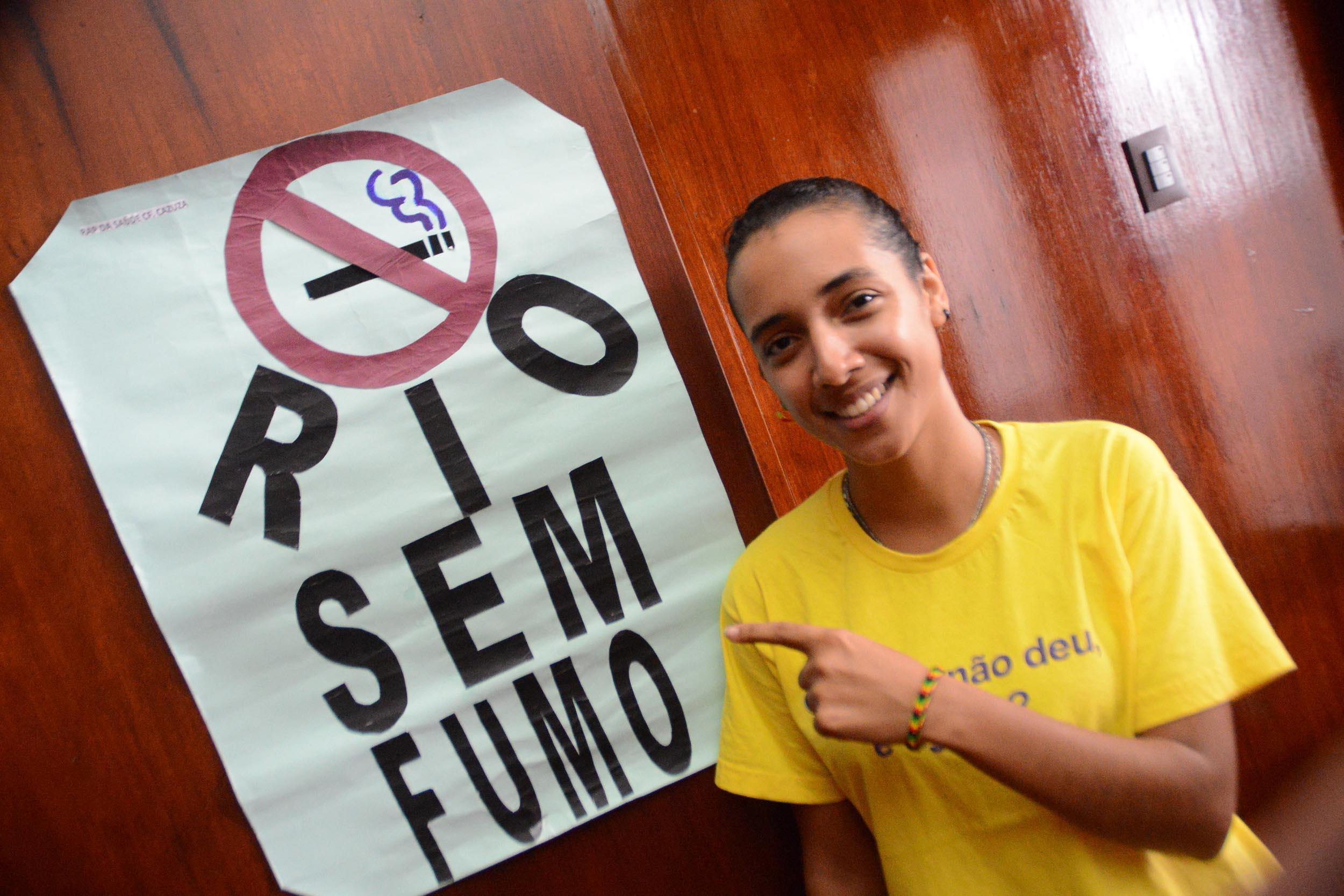 Programa de Controle do Tabagismo discute estratégias para prevenir vício do cigarro em adolescentes