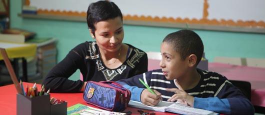 Agentes de apoio à Educação Especial fazem a diferença na vida dos alunos com deficiência
