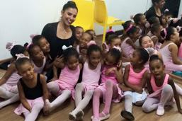 Prefeitura apoia grupo de balé do Complexo do Alemão