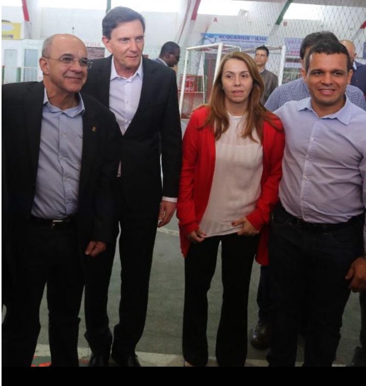 Crivella e Bandeira de Melo oficializam estádio do Flamengo na Ilha