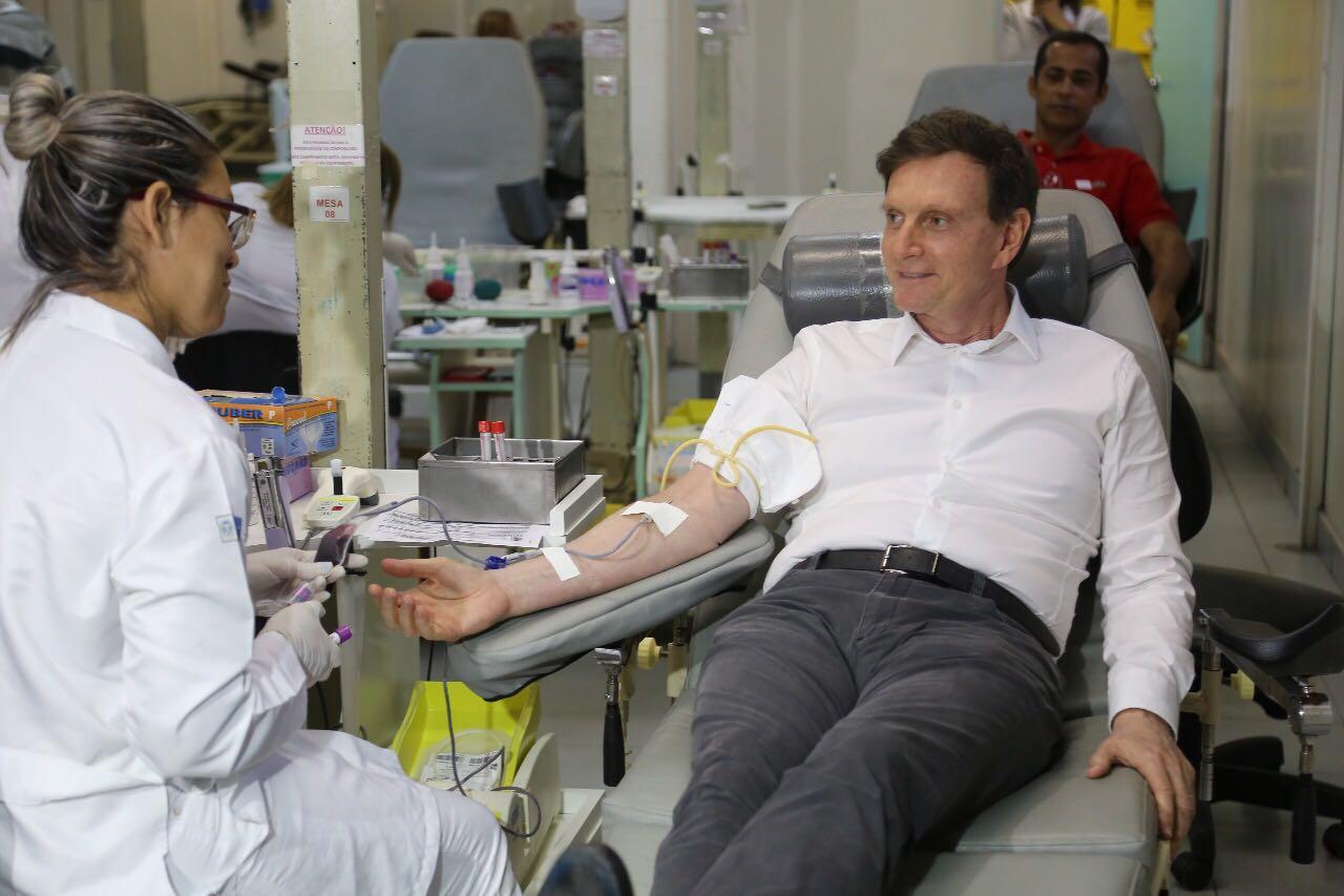 Crivella participa de campanha às vésperas do Dia Mundial do Doador de Sangue