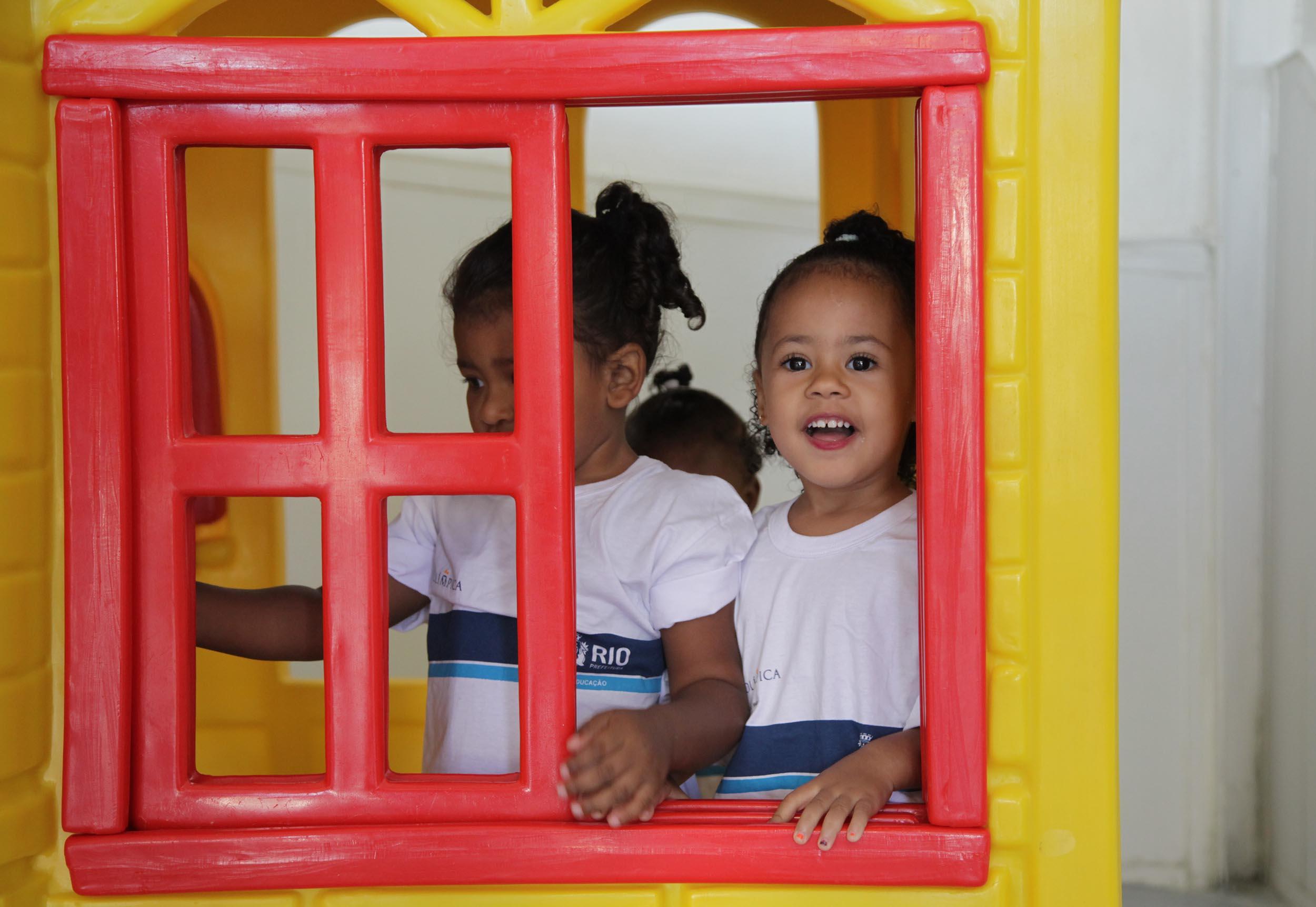 Crivella quer dobrar os recursos destinados a crianças atendidas em creches