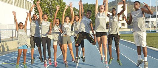 Alunos da rede municipal treinam atletismo de olho nos Jogos 2024