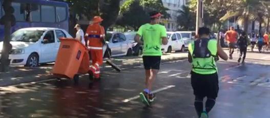 Comlurb recolhe 20 toneladas de resíduos no trajeto da Maratona do Rio